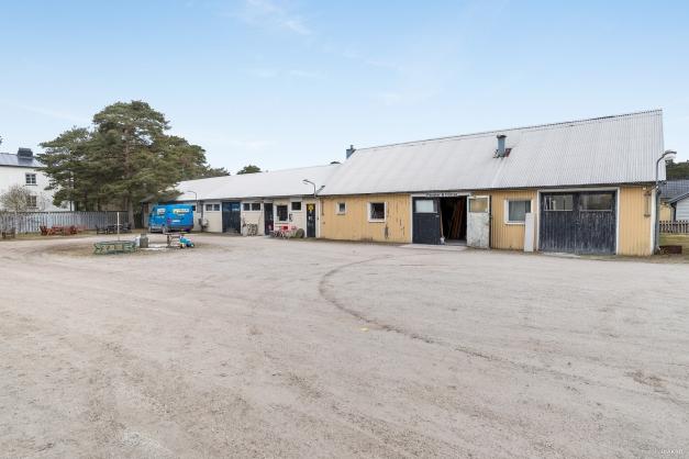 Butiksdel och fd verkstad, nu lagerlokal