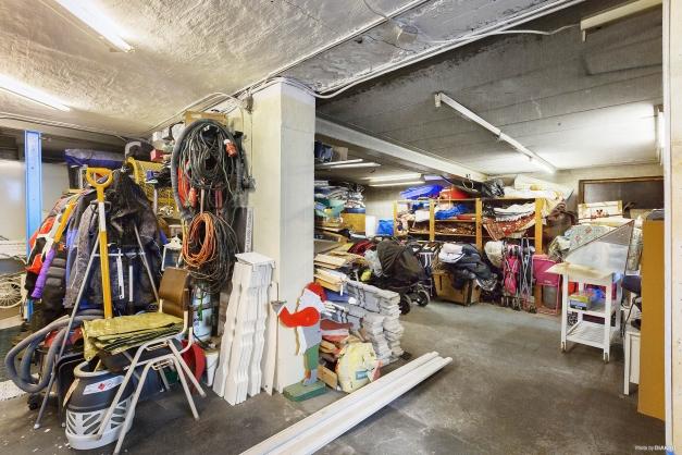 Garage och förråd
