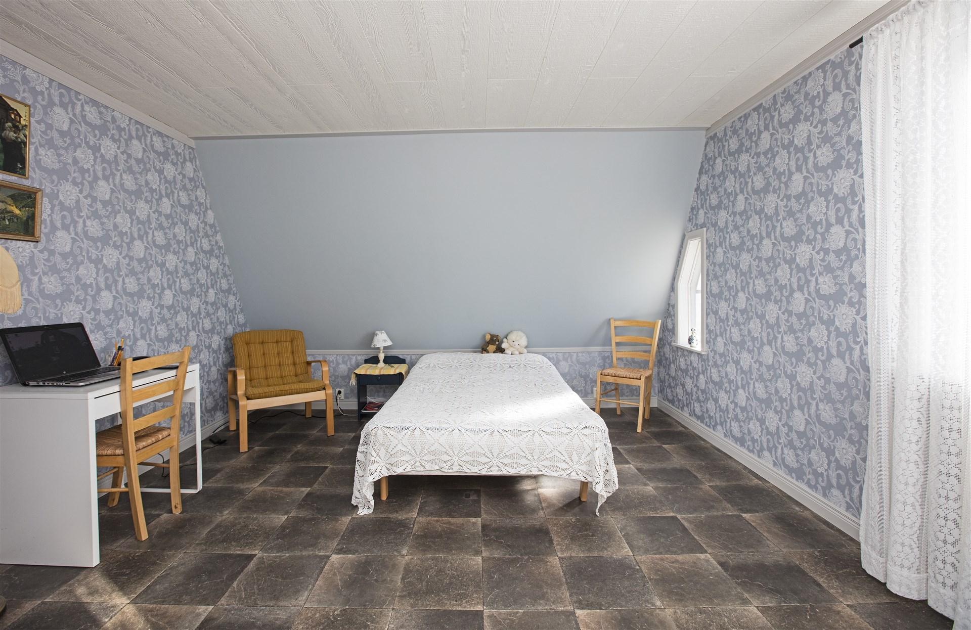 Sovrum 1 övervåning