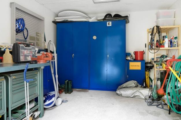 Kontors- /förrådsdel i garagebyggnaden