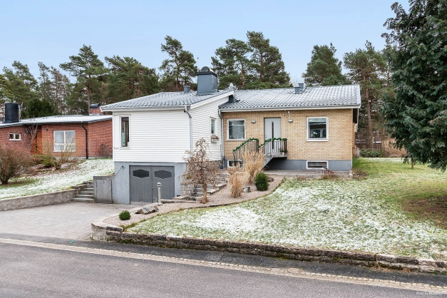 Genuin och hemtrevlig  villa på Karlstorp!