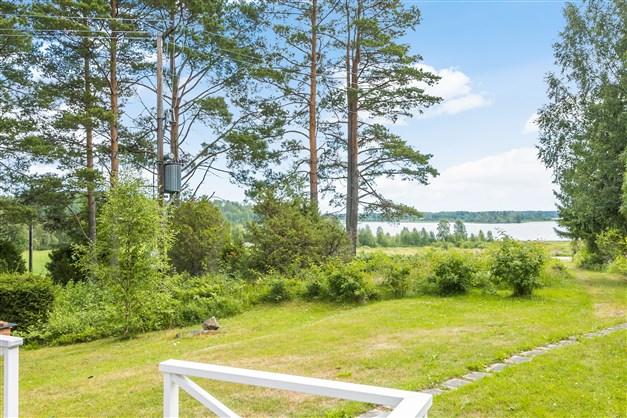 Utsikt mot Långsjön