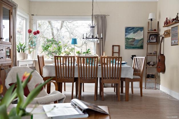 Det stora vardagsrummet (30 Kvm) har plats för ett rejält matbord mm.