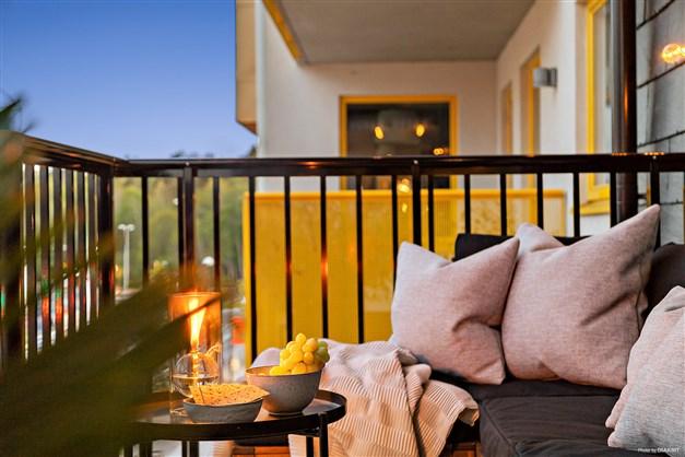 Balkong på kvällen, perfekt plats att avsluta dagen på.