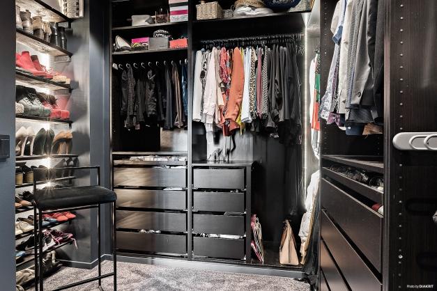 Walk-in-closet! Vilken lyx! Vilken dröm!