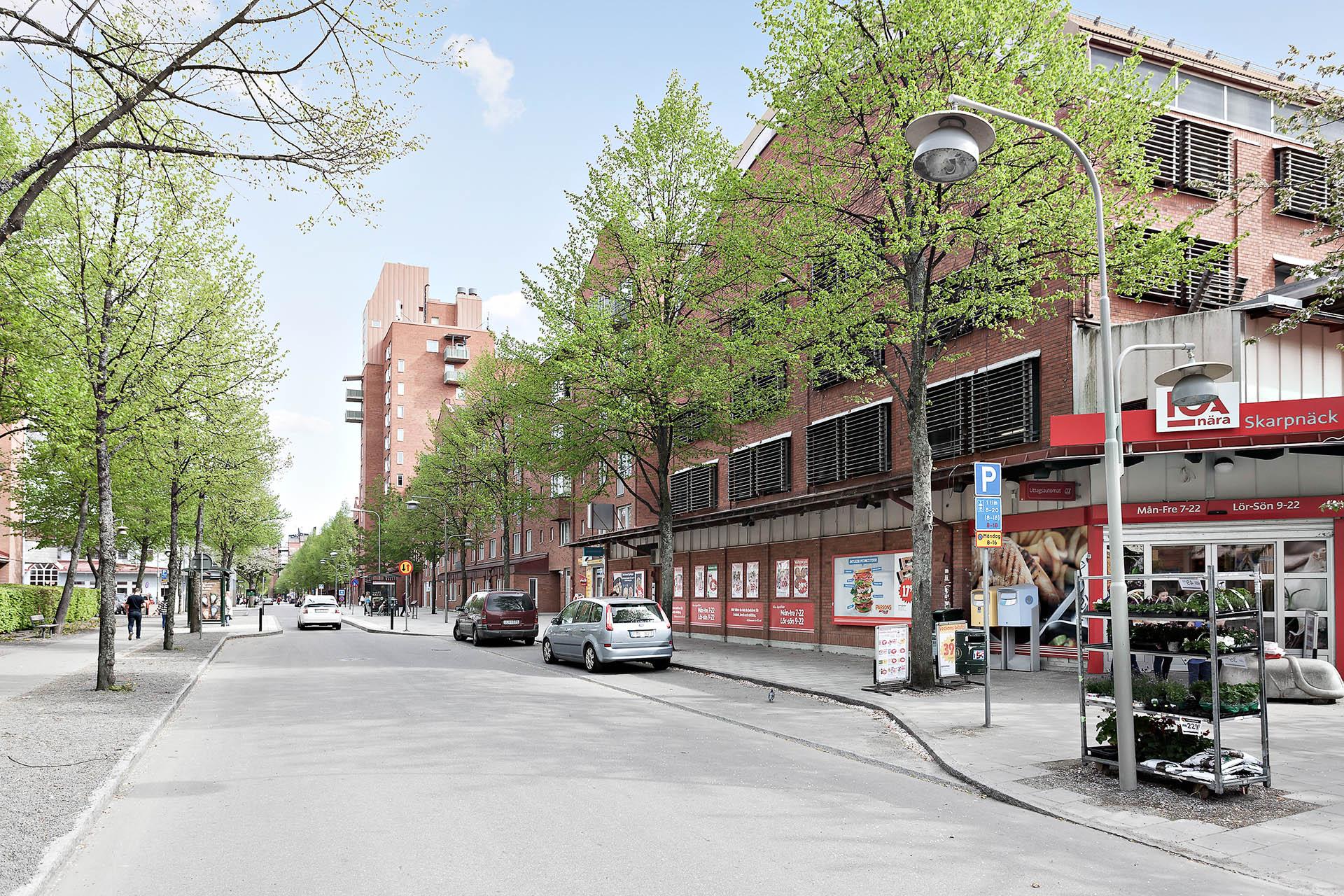 Skarpnäcks Alle´ ligger endast en kort promenad från Pilvingegatan 46.