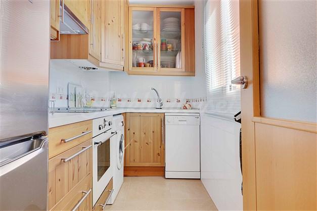 köket har möjlighet att öppna ifrån vardagsrummet