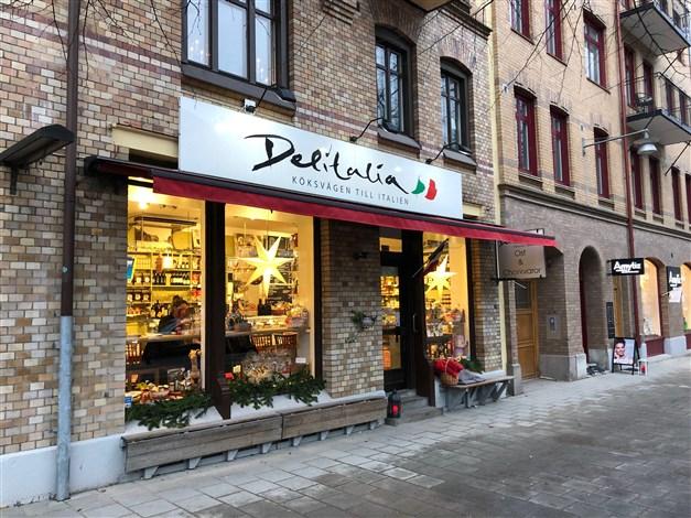 Delikatessbutik precis bredvid