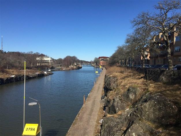 Promenadstråk längs kanalen