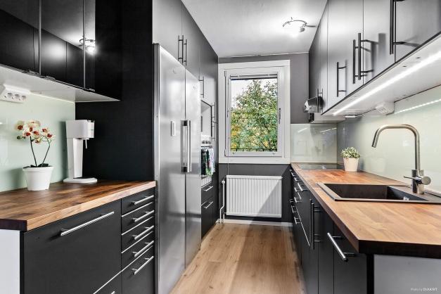 Fint nytt kök med gott om arbetsytor