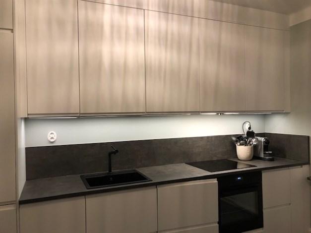 Nyrenoverat kök (säljarens egna bilder)