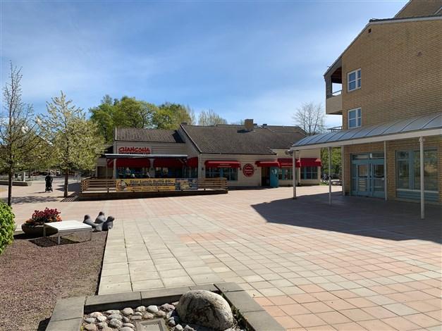 Restaurang och café i Gribbylunds centrum