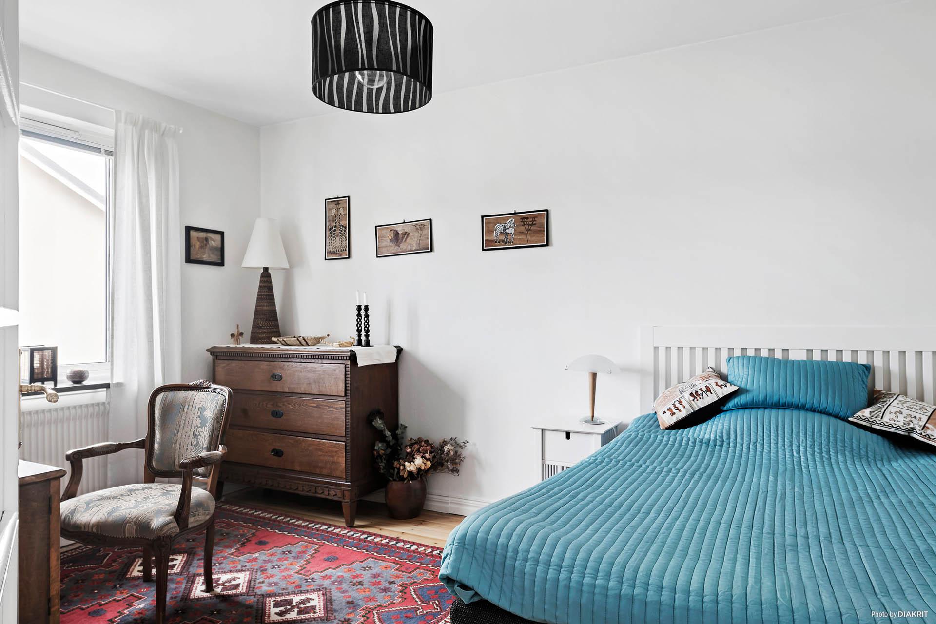 Båda sovrummen är rymliga och har plats för dubbelsäng.