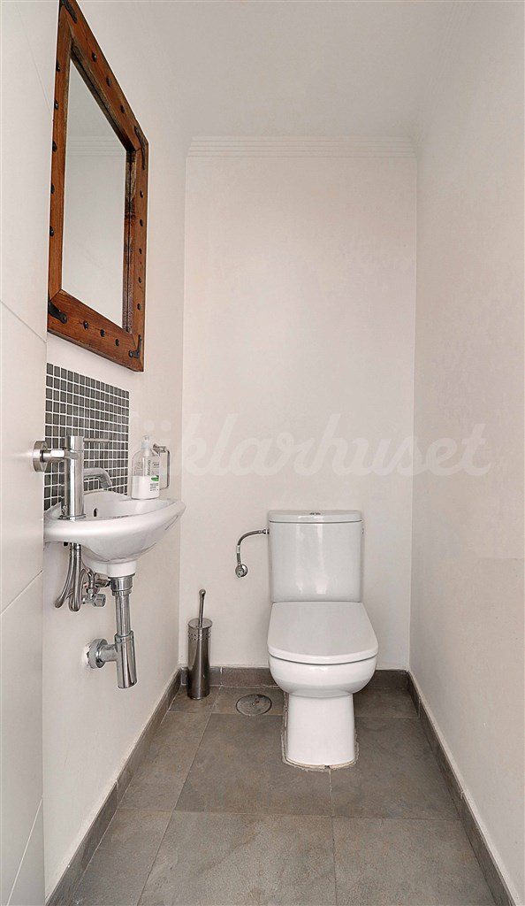 Separate toilet next to bathroom 5