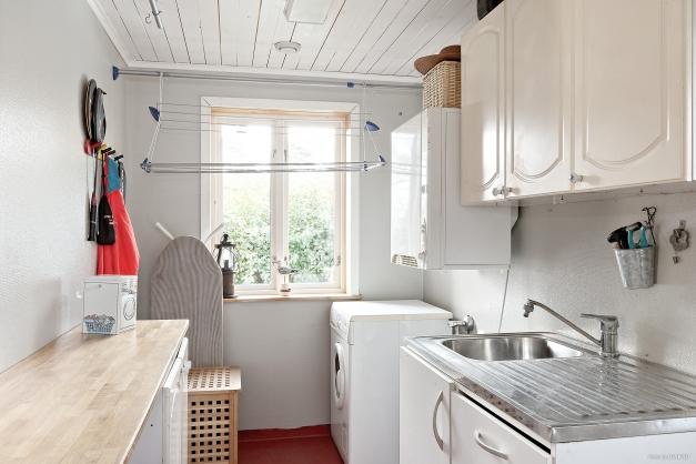 Kombinerat tvättrum och groventré