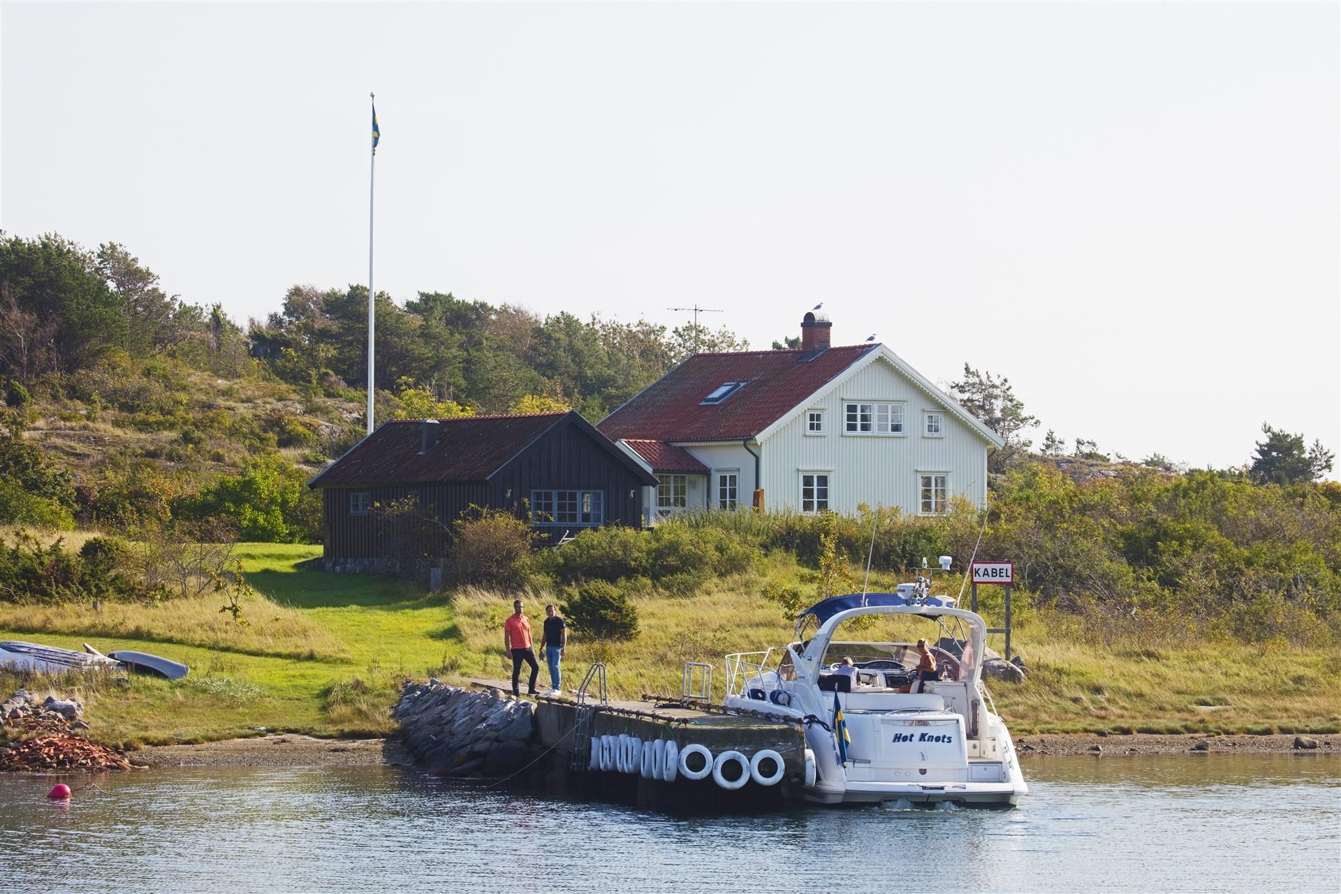 Bryggan som har plats för större båtar.