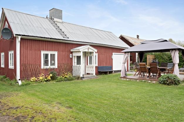 Gårdshus samt garage