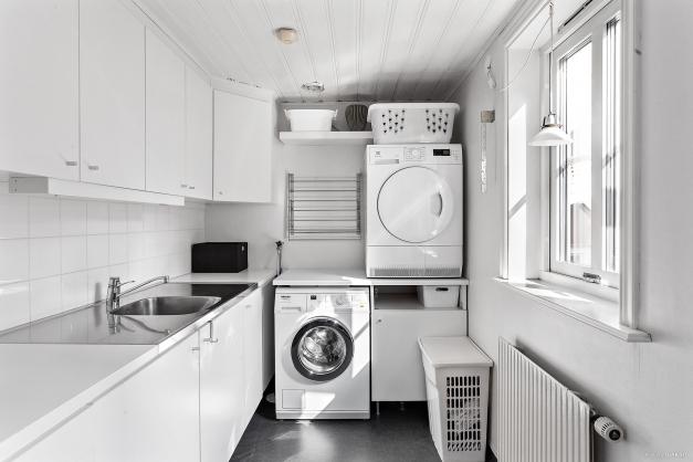 Lgh 2/plan 2 - groventré med tvättstuga