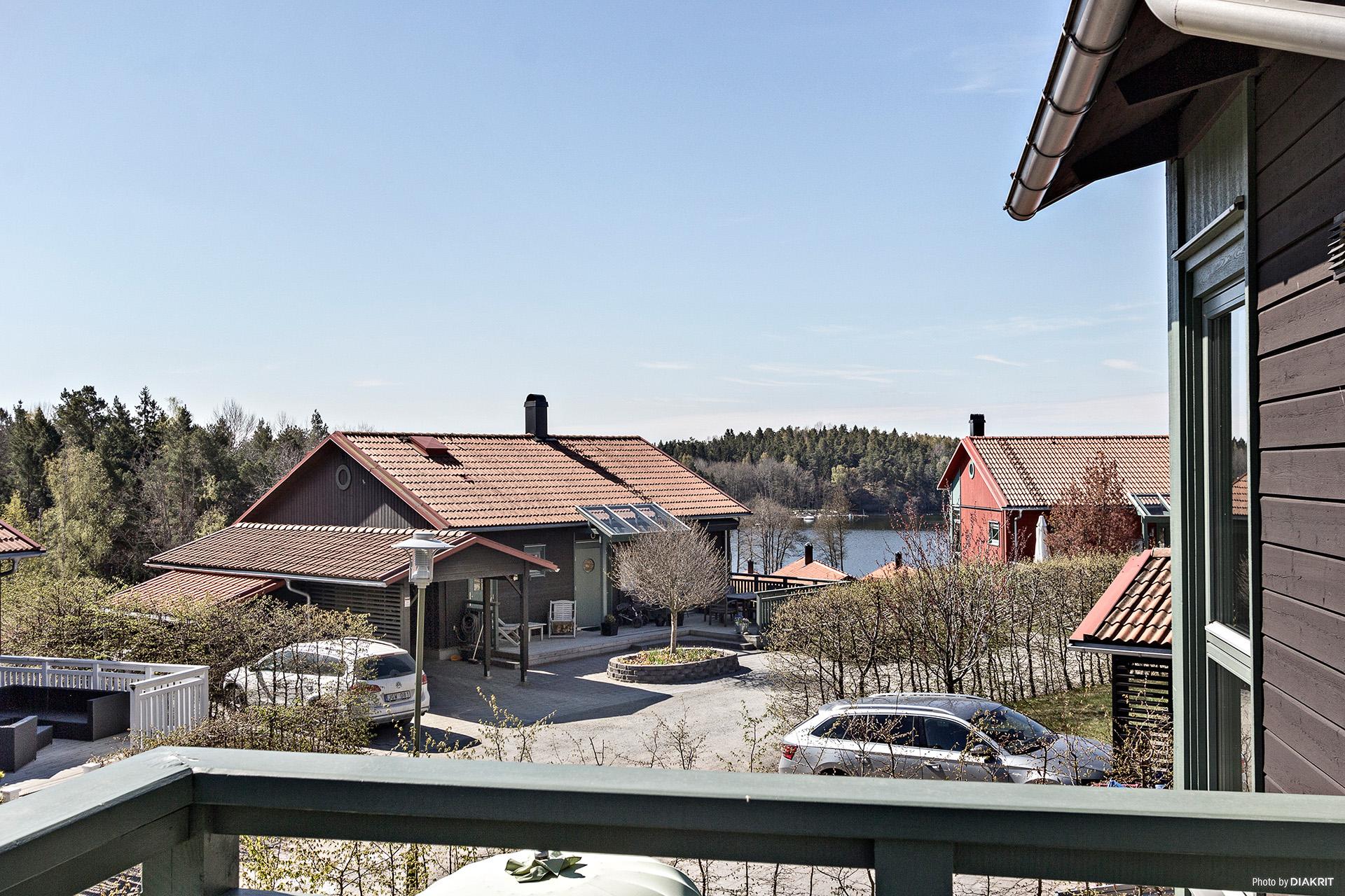 Utsikten från husets balkong