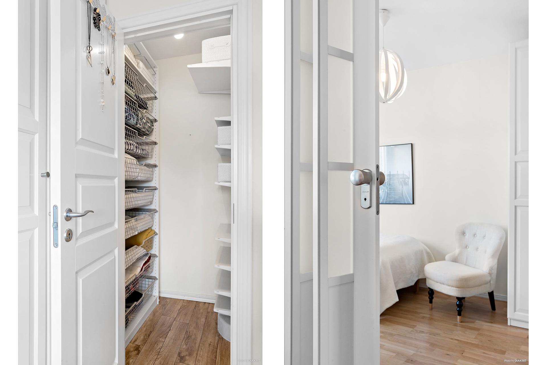 I sovrum 1 finns 3 garderober samt en klädkammare