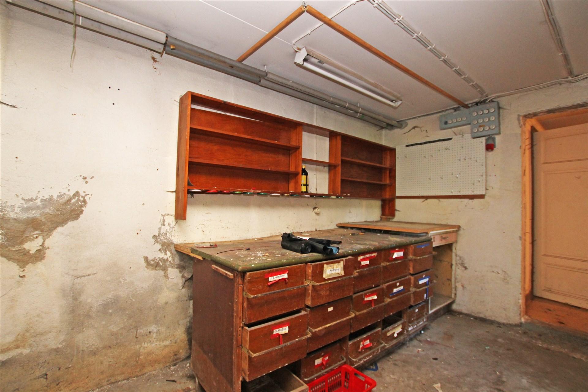 Arbetsrum i källaren