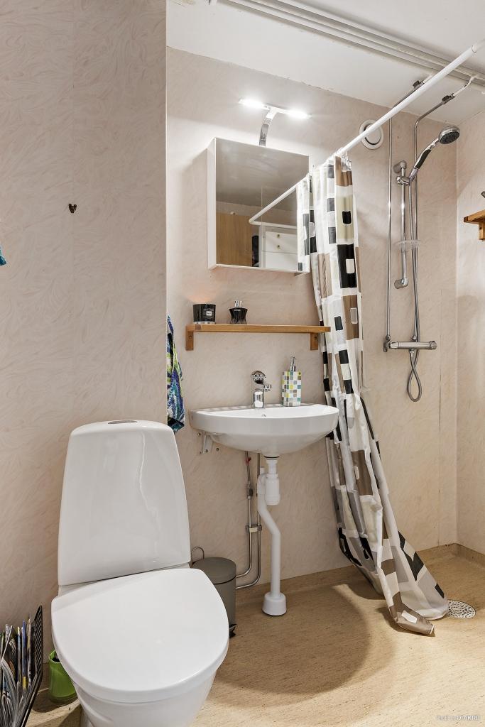 Toalett/dusch i våning 3