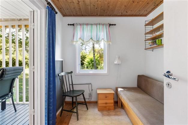 Det tredje sovrummet vid köket med egn utgång