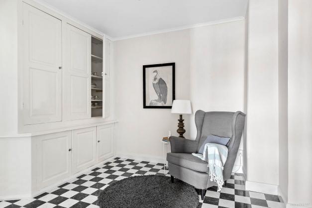 Möblerbar hall