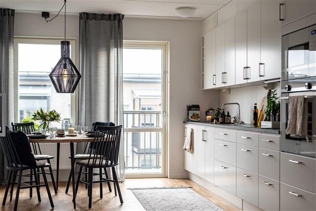 Interiörbild från visningslägenheten på Drottninggatan 3.