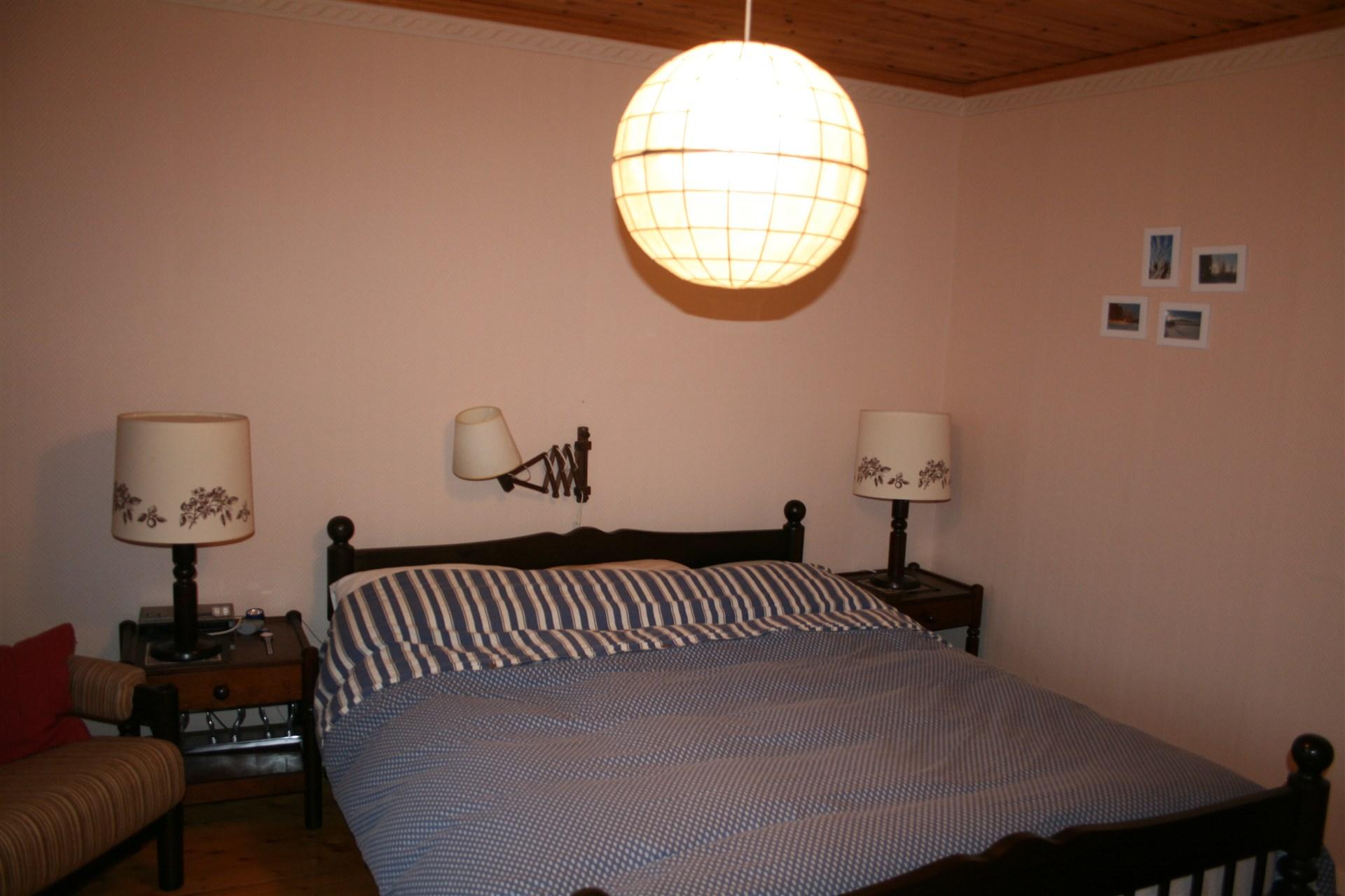Sovrum, bottenvåning