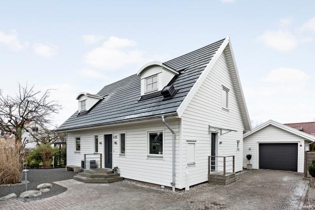 Välkommen till denna fantastiska villa!