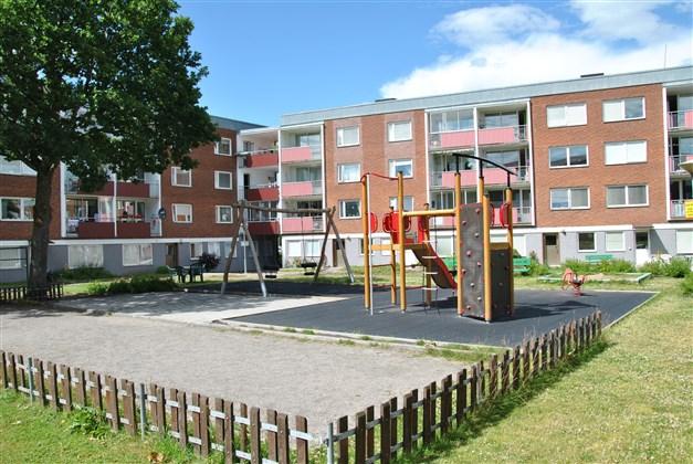 Lekplatsen på innergården, renoverad på senare år.