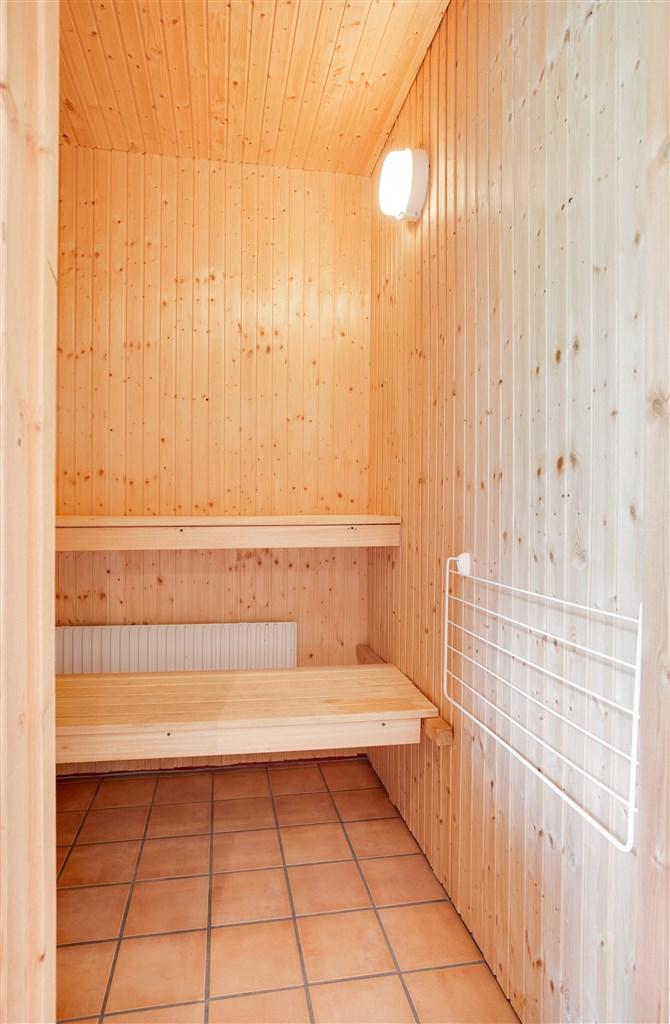 Bastu i anslutning till dusch/wc.