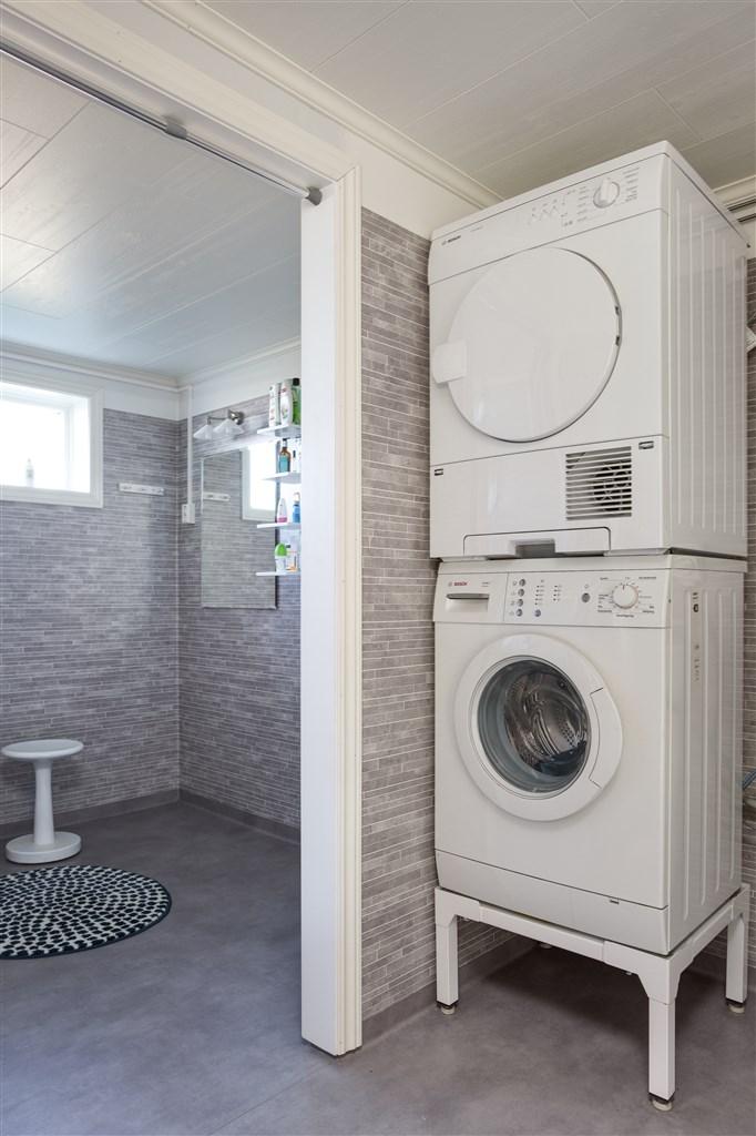 Tvättstuga, samt dusch /badrum