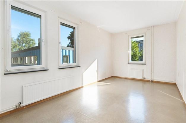 Sovrummet med fönster i 2 väderstreck