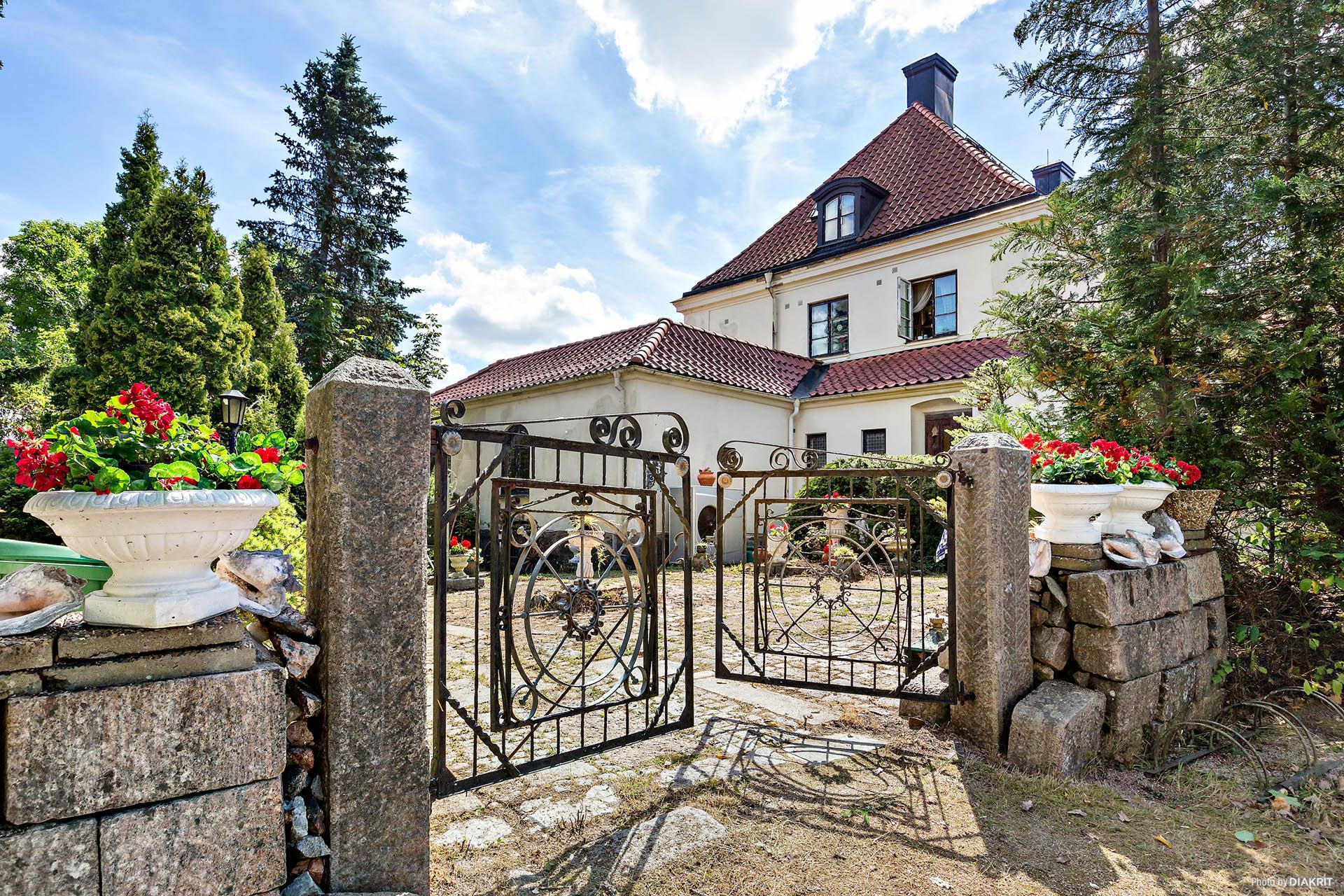 Välkommen till vackra Strömsbergsvägen 2!