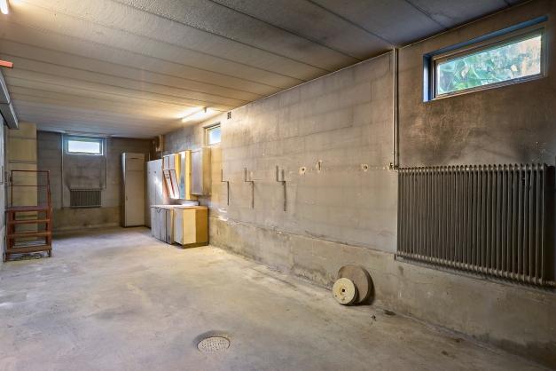 Älvsjös största garage? Tidigare ägare hade lastbilen parkerad här