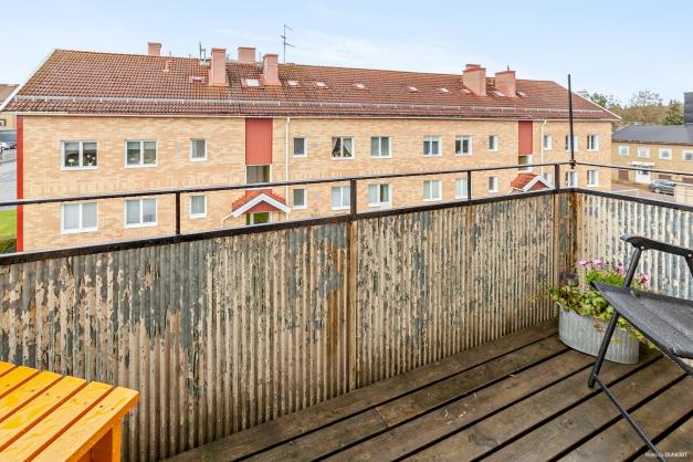 Egen tillhörande balkong i nordväst via utgång från vardagsrum