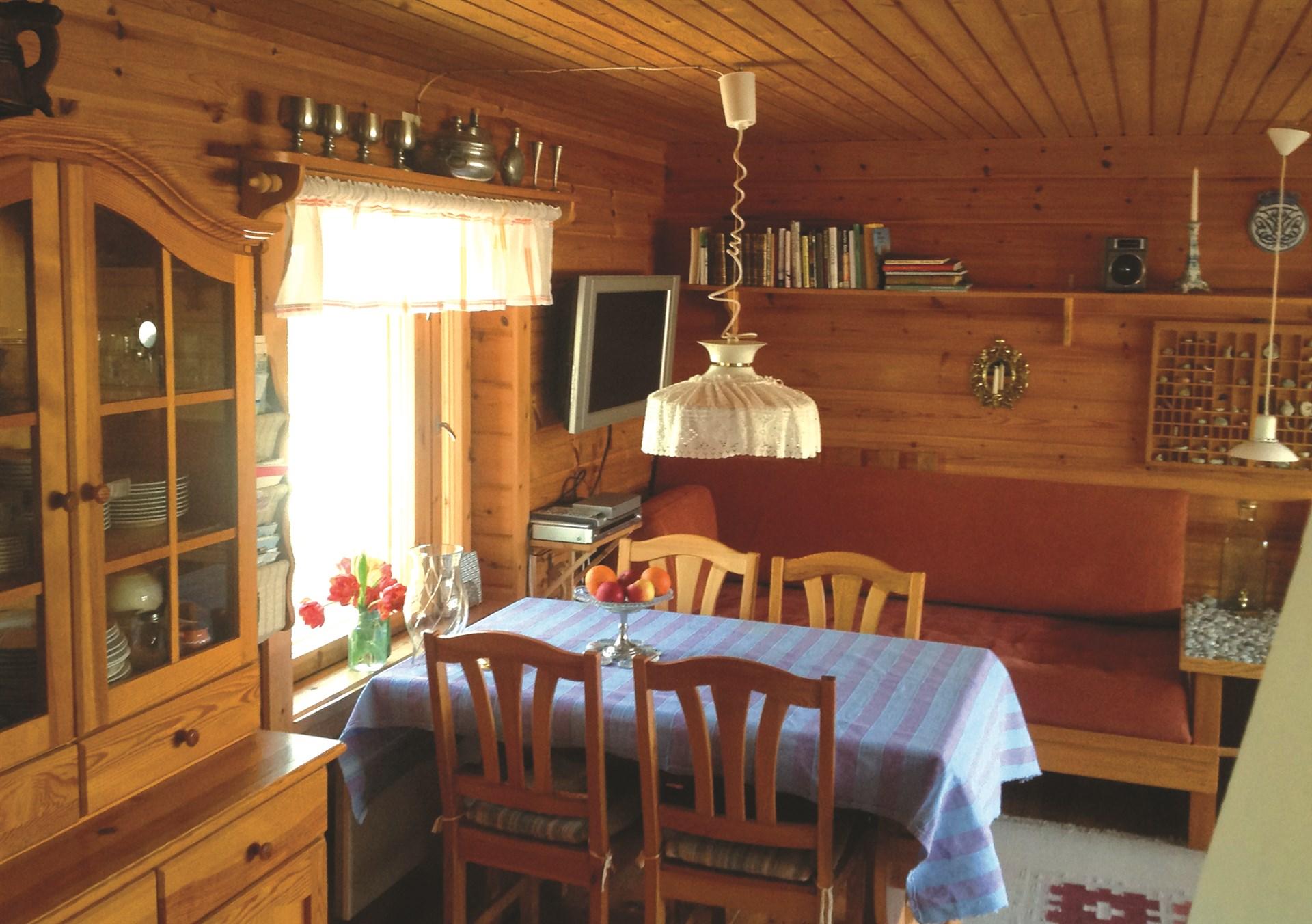 Matplats i vardagsrum