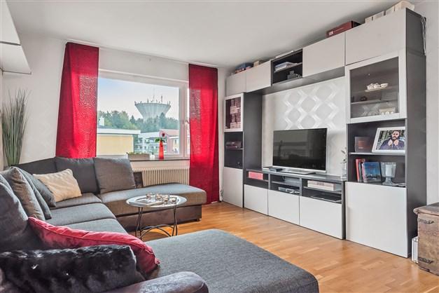Vardagsrum med ekparkett