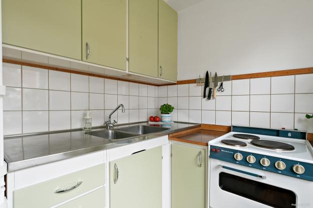 Kök med mycket plats för förvaring