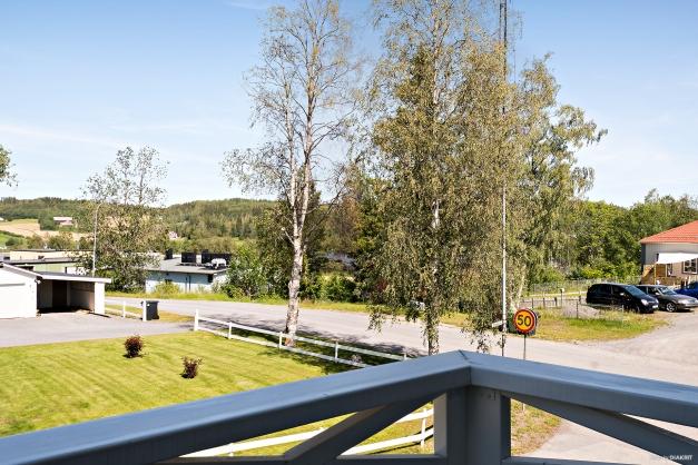 Utsikt från balkongen på övre plan