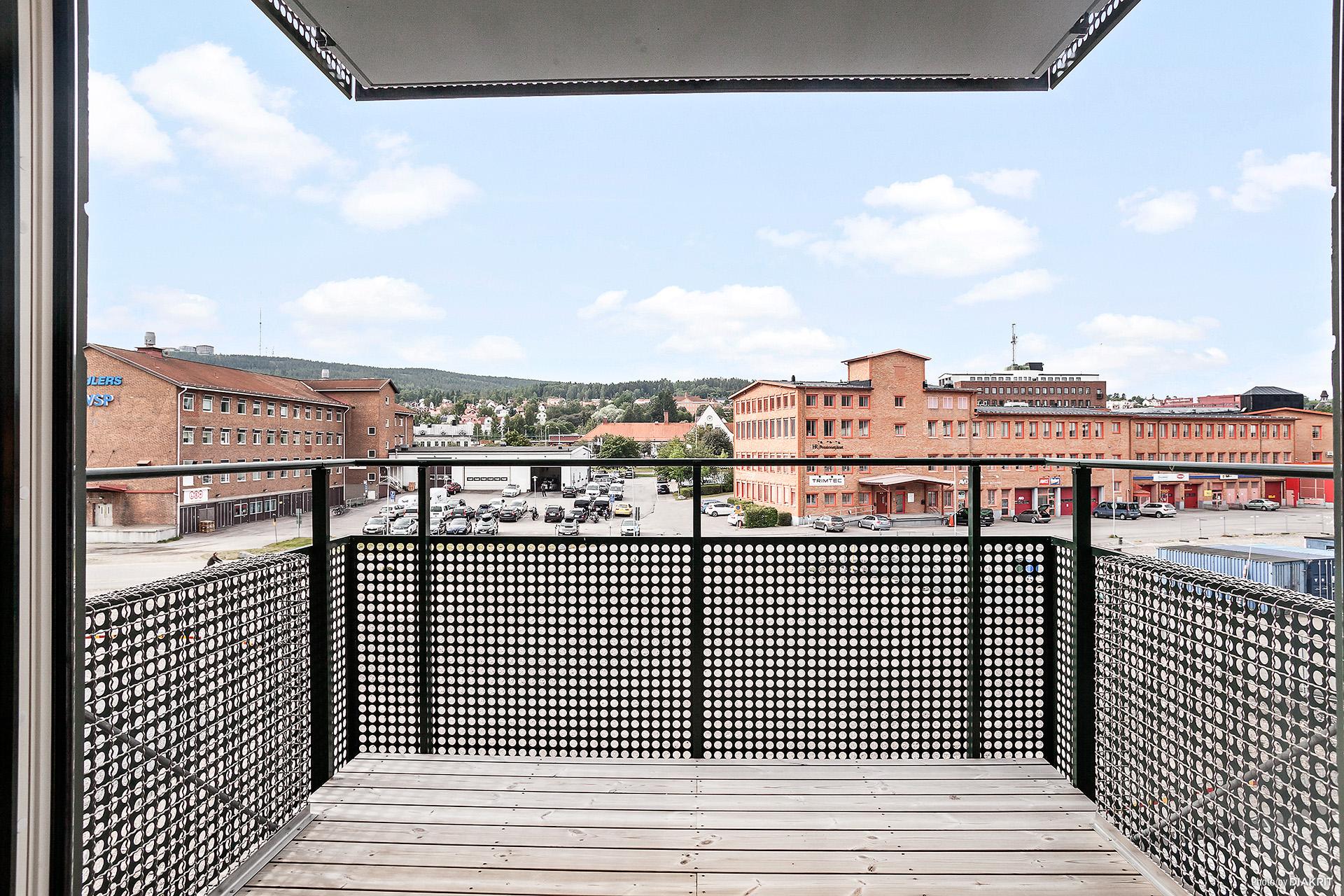 Balkong med fritt läge i söder