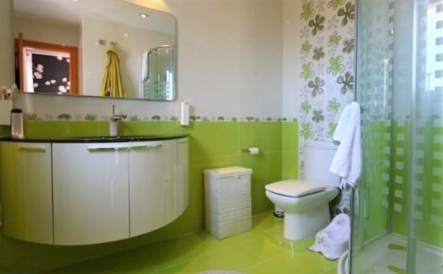 Bathroom en-suite  (owners photo)