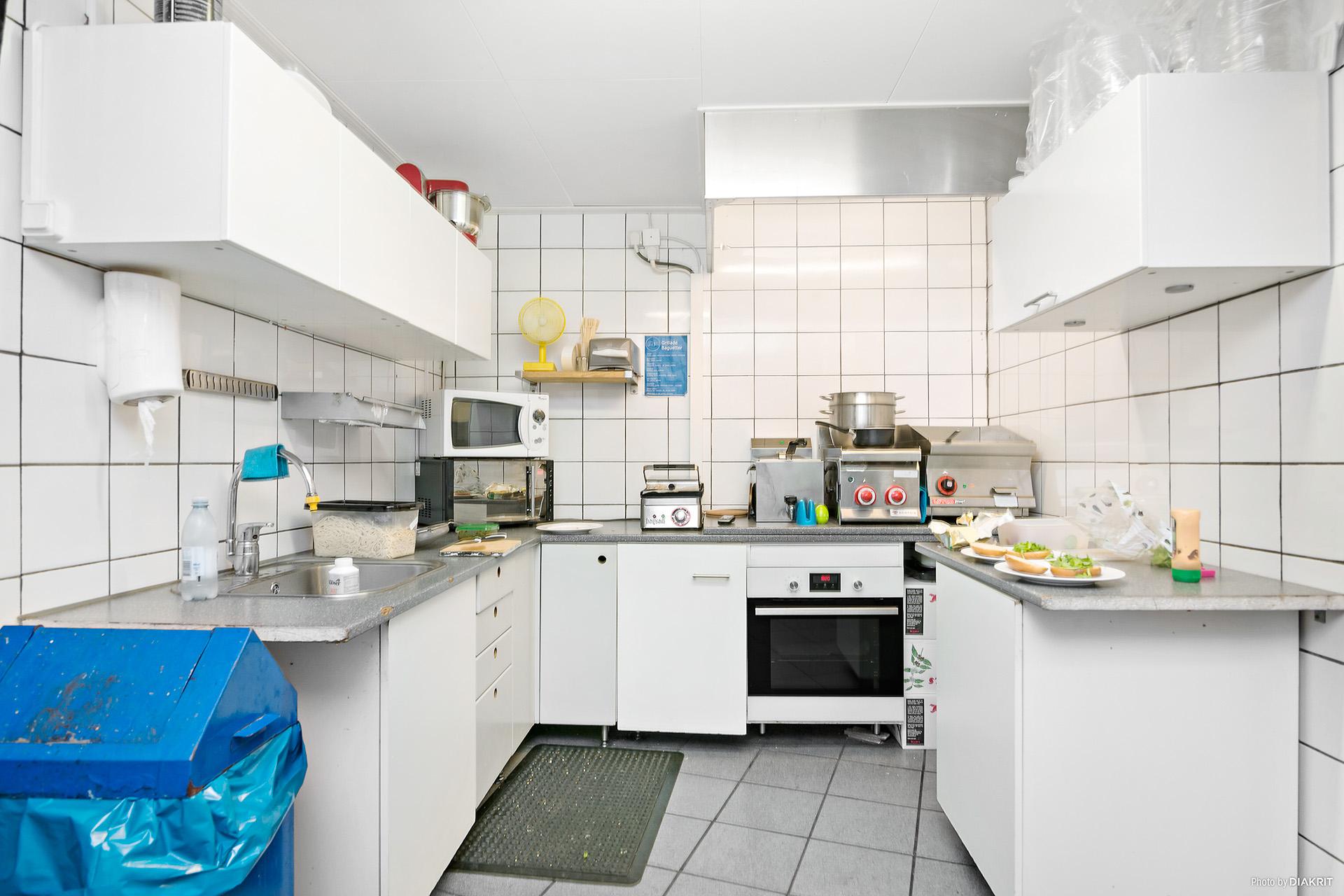 Kök med arbetsbänk