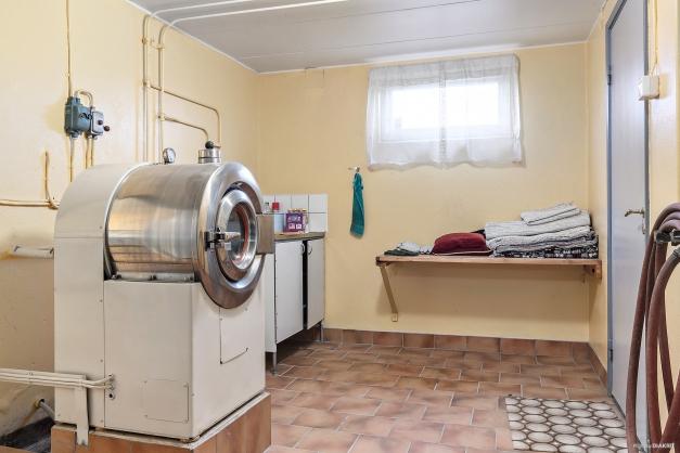 Tvättstuga med wascator och ho