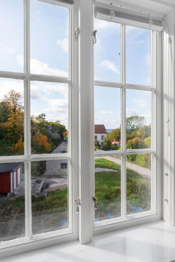 Vy från fönster i allrummet