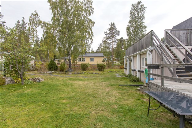 Trädgårdstomt samt delar av naturtomt