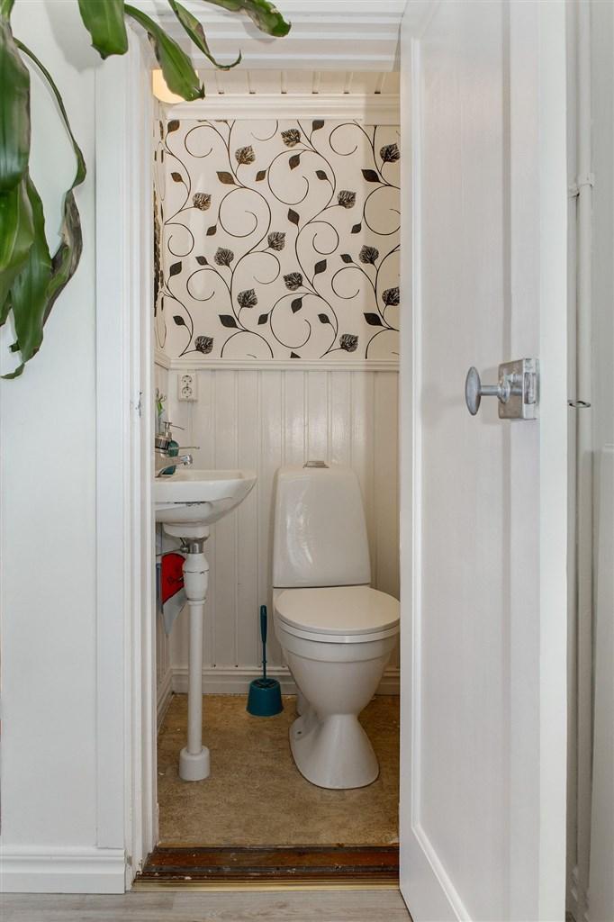 WC i anslutning till hallen