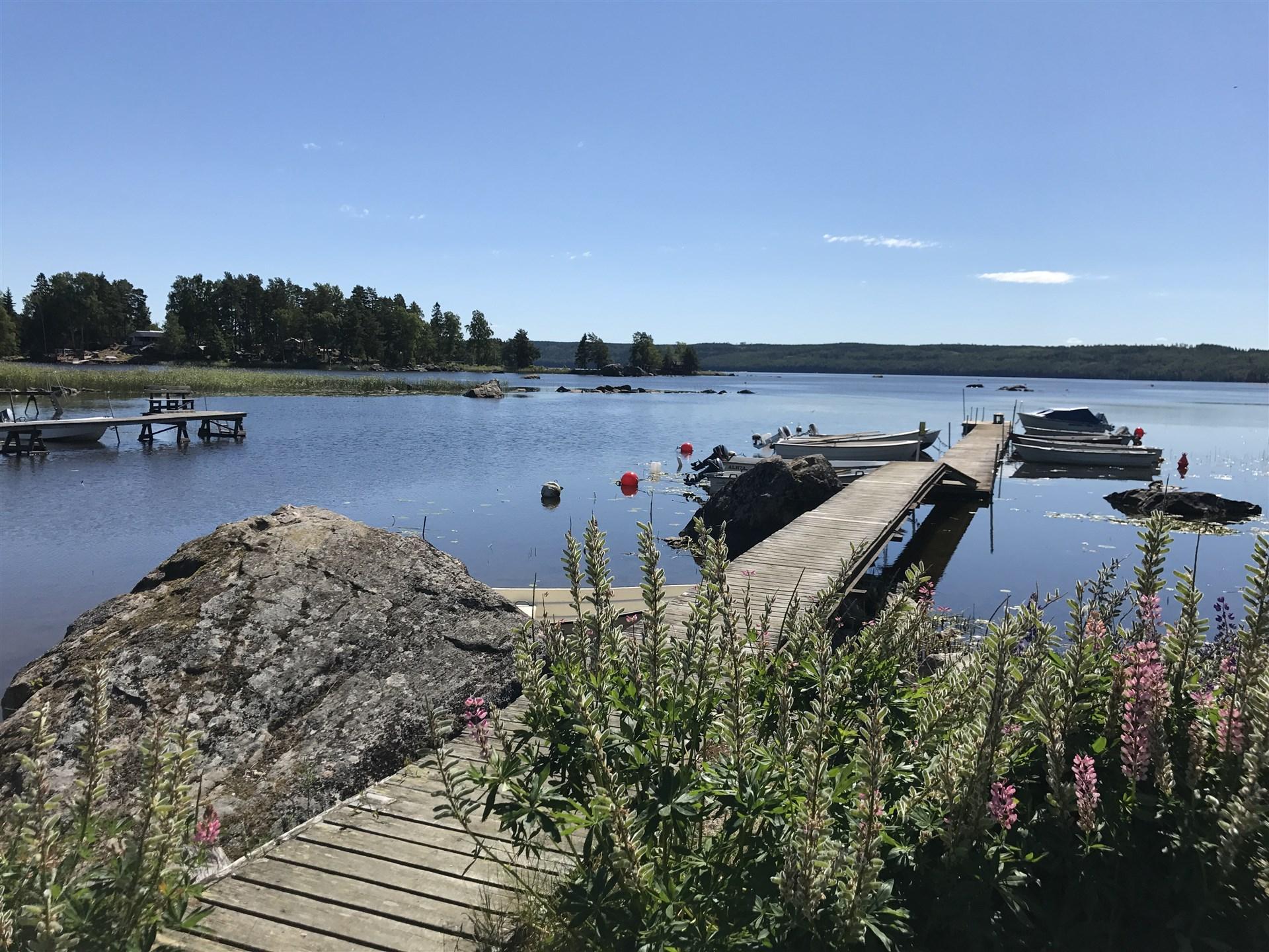 Båtplats ingår några hundra meter från fastigheten